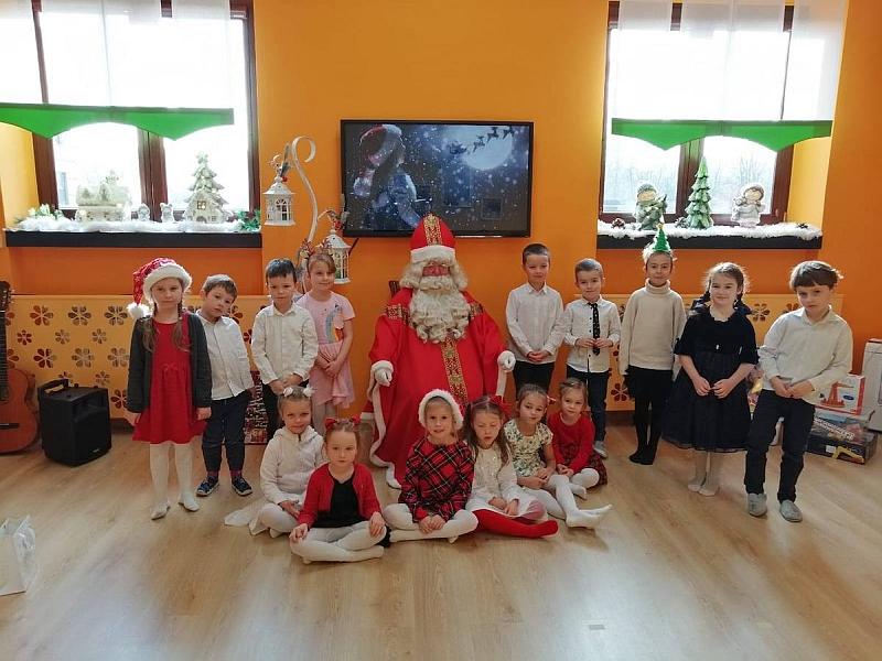 Święty Mikołaj w Przedszkolu - zdjęcie 17