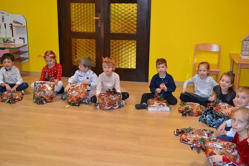 Święty Mikołaj w Przedszkolu - zdjęcie 8