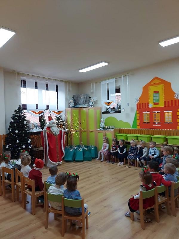 Święty Mikołaj w Przedszkolu - zdjęcie 1