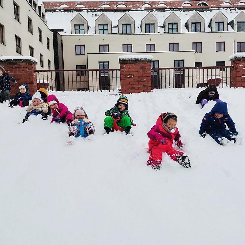 Zabawy na śniegu - zdjęcie 10
