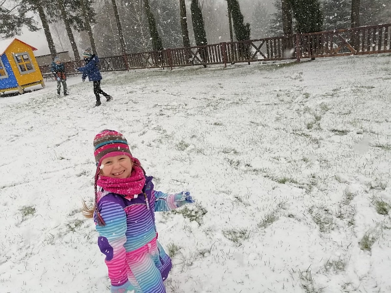 Zabawy na śniegu - zdjęcie 14