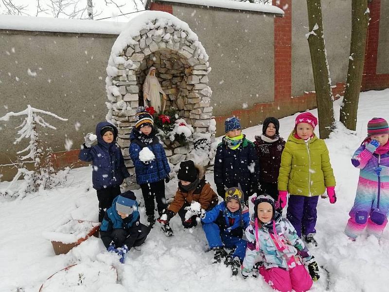 Zabawy na śniegu - zdjęcie 28