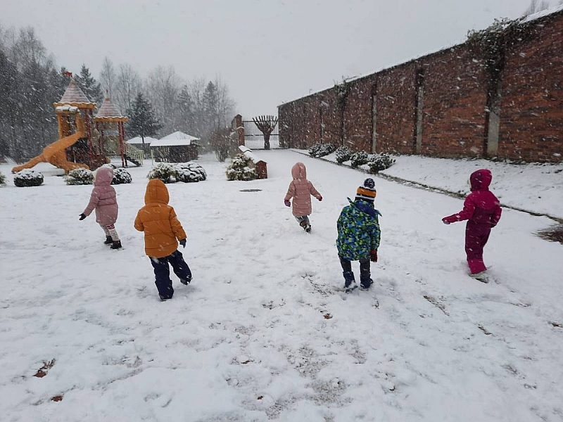 Zabawy na śniegu - zdjęcie 7